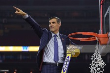 HOUSTON, TX - APRIL 04: Head coach Jay Wright of the Villanova Wildcats cuts the net following their 77-74 victory against the North Carolina Tar Heels during the 2016 NCAA Men's Final Four Championship at NRG Stadium on April 04, 2016 in Houston, Texas. (Photo by Lance King/Getty Images)